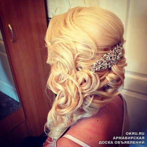 Причёски на белые волосы фото выпускной