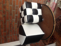 продаю мягкая мебель пуфы из