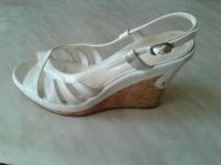 Продаю Женская обувь Новая